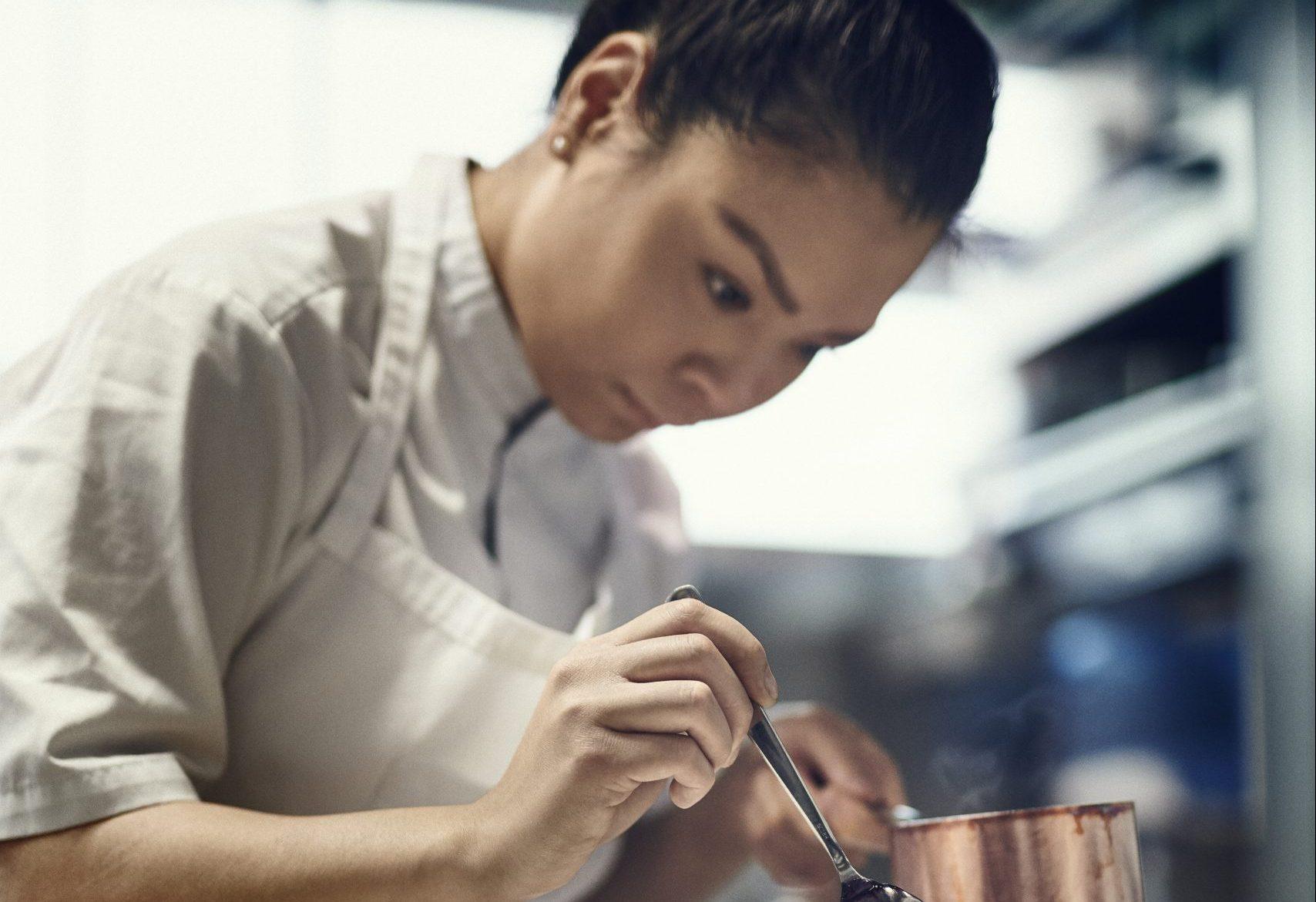 Icelandic Chef Snaedis plating um Icelandic Lamb